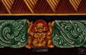 பிரகாரத்தின் வேலைப்பாடுகள்...