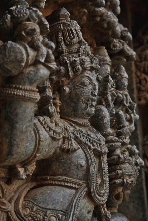 கருடனுடன் விஷ்ணு லக்ஷ்மி